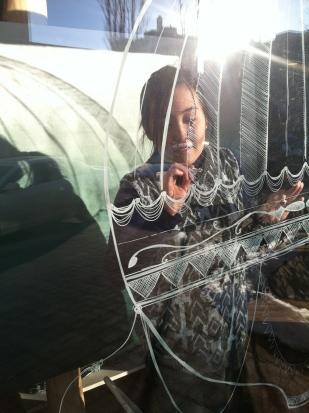 yuli drawing her window balloon
